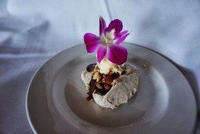 Gluten-Free Meringue with Chocolate and Hazelnuts